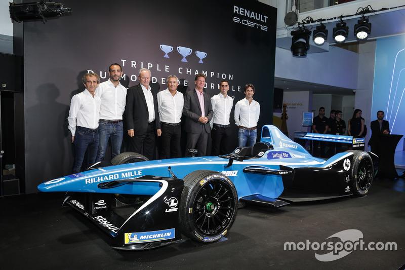 Sebastien Buemi et Nicolas Prost, Renault eDAMS avec Alain Prost, Jean-Paul Driot, Cyril Abiteboul et Jerome Stoll, Renault