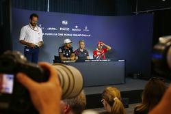 Photographers take pictures of Lewis Hamilton, Mercedes AMG F1, Kevin Magnussen, Haas F1 Team, Sebastian Vettel, Ferrari