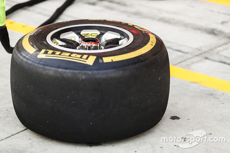 Pirelli-Reifen: Soft
