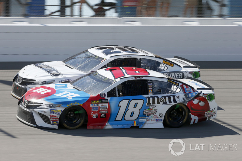 Kyle Busch, Joe Gibbs Racing Toyota Matt Kenseth, Joe Gibbs Racing Toyota