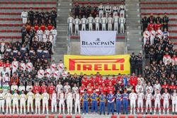 Gruppenfoto: Alle Fahrer für die 24h Spa 2017