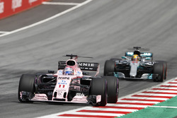 Sergio Pérez, Sahara Force India F1 VJM10, Lewis Hamilton, Mercedes AMG F1 W08
