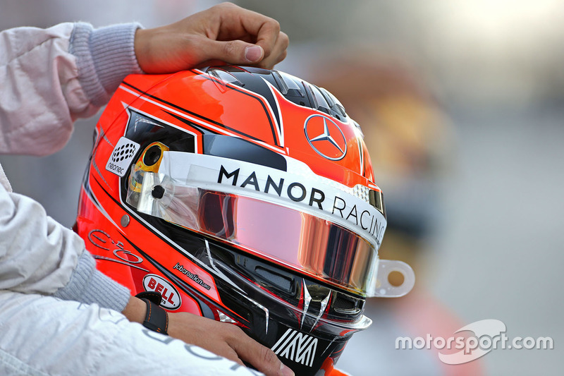 Helm von Esteban Ocon, Manor Racing