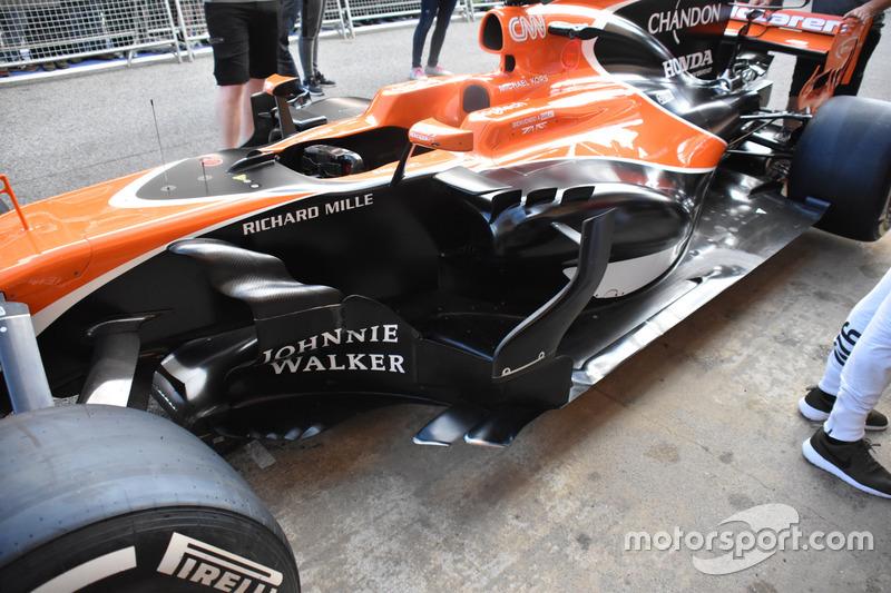 McLaren MCL32, detalle de los pontones