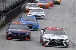 Erik Jones, Furniture Row Racing, Toyota; Denny Hamlin, Joe Gibbs Racing, Toyota