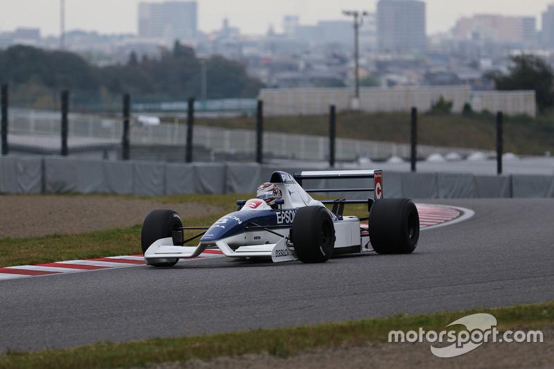 ティレル019をドライブする中嶋大祐(Daisuke Nakajima / Tyrell 019)