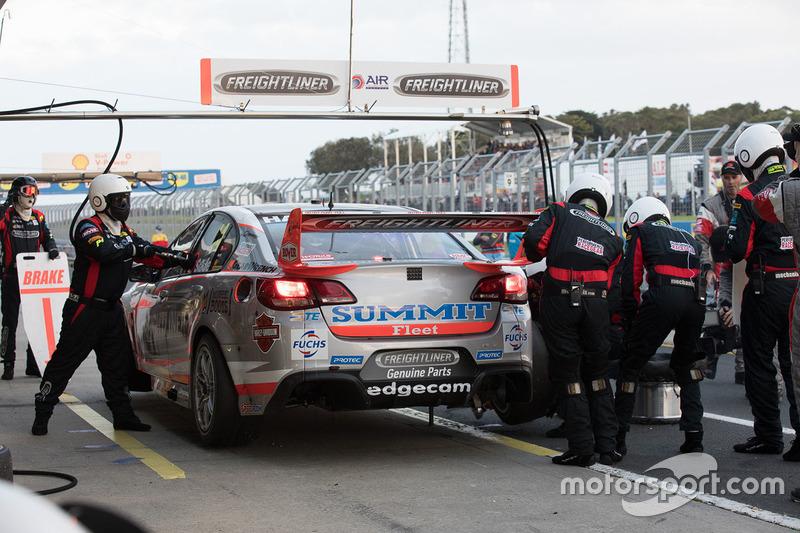 Tim Slade, Brad Jones Racing Holden in the pits
