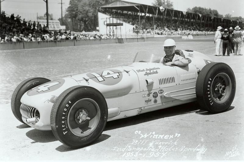 1954 - Bill Vukovich é bicampeão