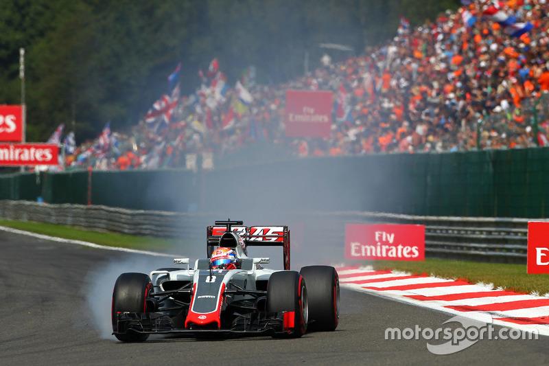 Romain Grosjean, Haas F1 Team VF-16 lasliklerini kitliyor