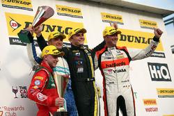Podium: Race winner, Aron Smith, BKR, second place Gordon Shedden, Halfords Yuasa Racing, third place Colin Turkington, Silverline Subaru BMR