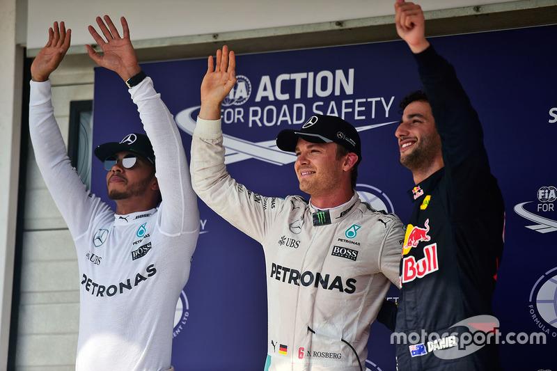 Qualifying top three in parc ferme : second place Lewis Hamilton, Mercedes AMG F1, polesitter Nico R