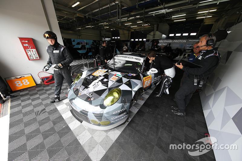 #88 Proton Racing, Porsche 911 RSR