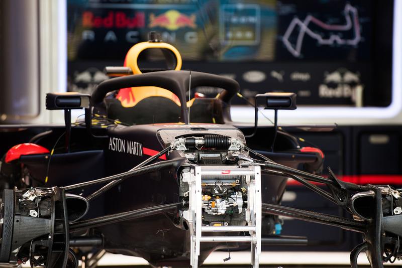 Detalle de la suspensión delantera del Red Bull Racing RB14