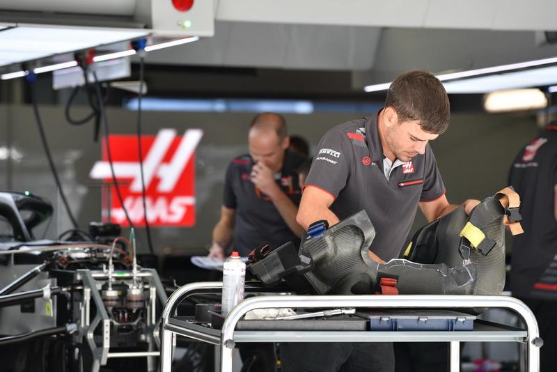 Mekanik Haas F1