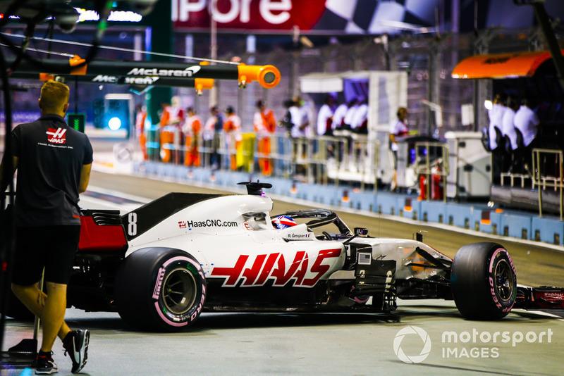 Romain Grosjean, Haas F1 Team VF-18, leaves the garage