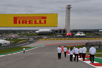 Alfa Romeo Sauber F1 Team walk the track