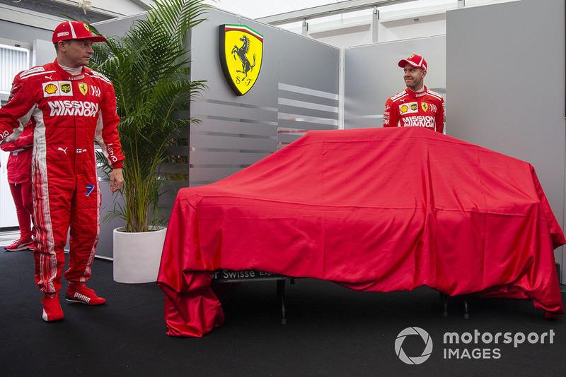 Kimi Raikkonen, Ferrari ve Sebastian Vettel, Ferrari renk düzeni