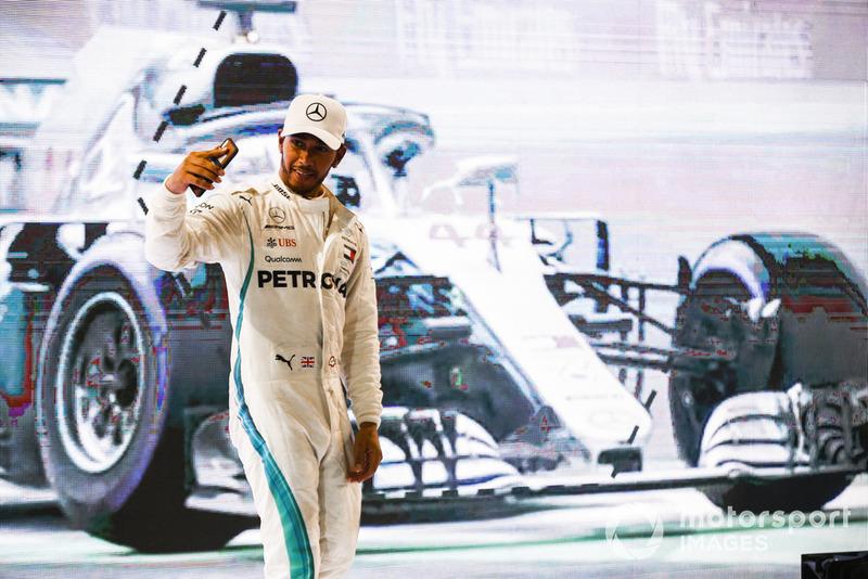 Lewis Hamilton, Mercedes AMG F1, selfie