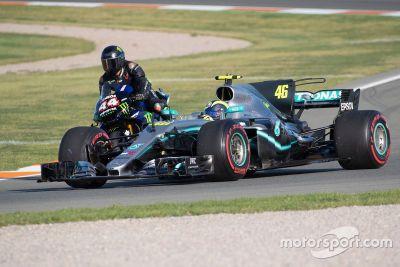 Échange F1/MotoGP entre Hamilton et Rossi