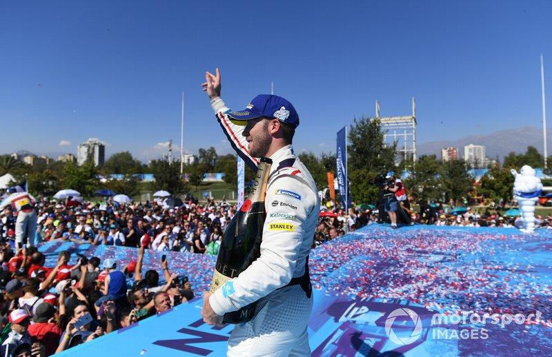 Winner Sam Bird, Envision Virgin Racing celebrates on the podium