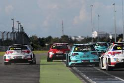 Dusan Borkovic, GE-Force, Alfa Romeo Giulietta TCR, Rob Huff, Leopard Racing Team WRT, Volkswagen Golf GTi TCR