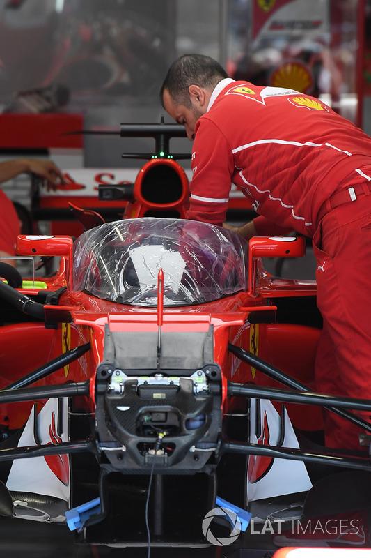 Ferrari SF70H mit Cockpitschutz Shield