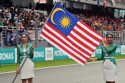 Grid girls and Malaysian flag