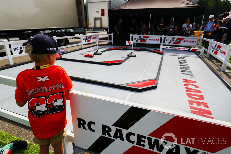 RC Raceway Academy