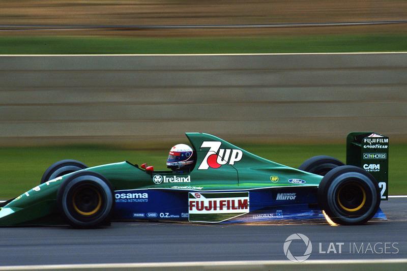 O outro era Bertrand Gachot, piloto da Jordan até ser preso antes do GP da Bélgica - o que abriu espaço para a chegada de Michael Schumacher.
