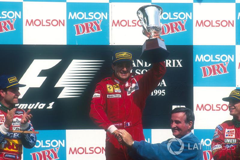 1995. Подіум: 1. Жан Алезі, Ferrari. 2. Рубенс Баррікелло, Jordan-Peugeot. 3. Едді Ірвайн, Jordan-Peugeot