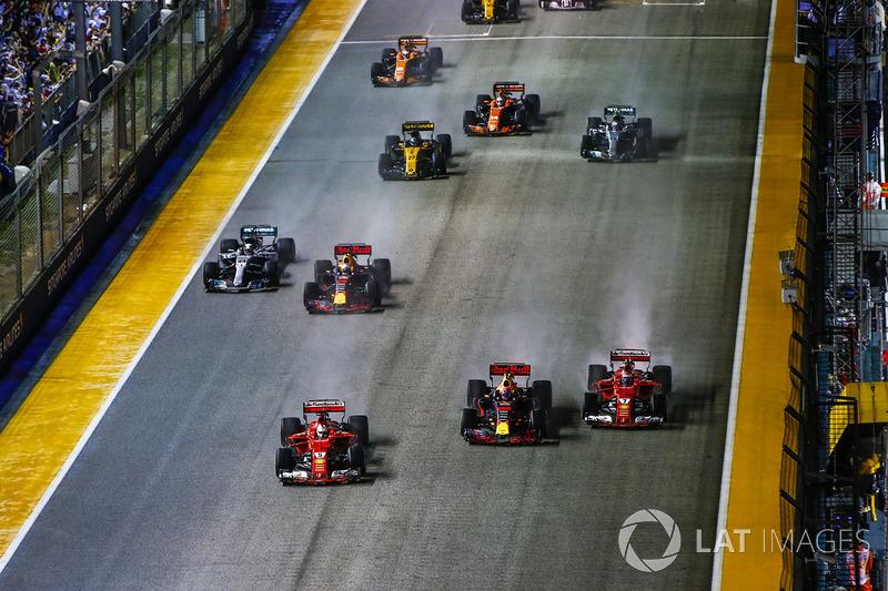 Sebastian Vettel, Ferrari SF70H, Max Verstappen, Red Bull Racing RB13, Kimi Raikkonen, Ferrari SF70H