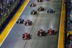 Start. Sebastian Vettel, Ferrari SF70H, Max Verstappen, Red Bull Racing RB13, Kimi Raikkonen, Ferrari SF70H