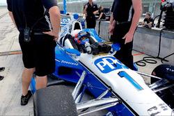ريكي تايلوريختبر سيارة فريق بينسكي الخاصة بسيمون باجينو