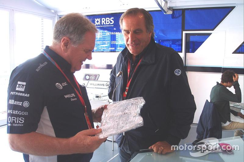 Giorgio Piola con Patrick Head, Williams