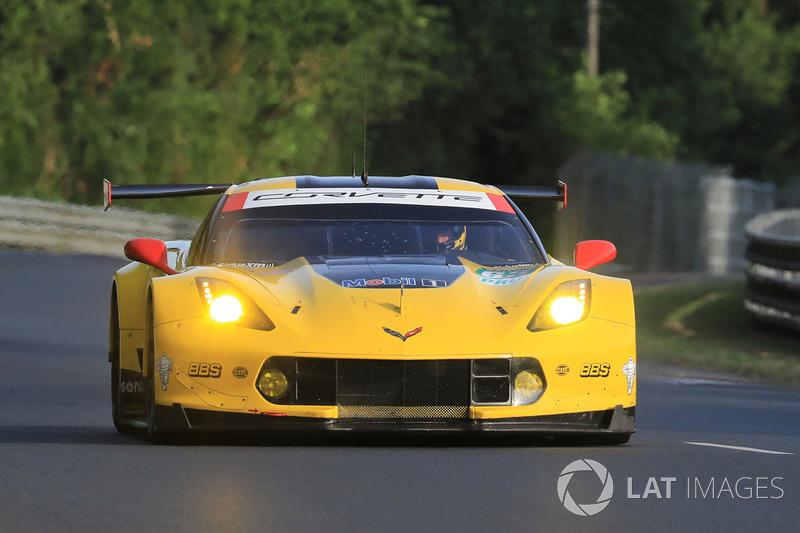 37. №63 Corvette Racing Corvette C7.R: Ян Магнуссен, Антонио Гарсия, Джордан Тейлор