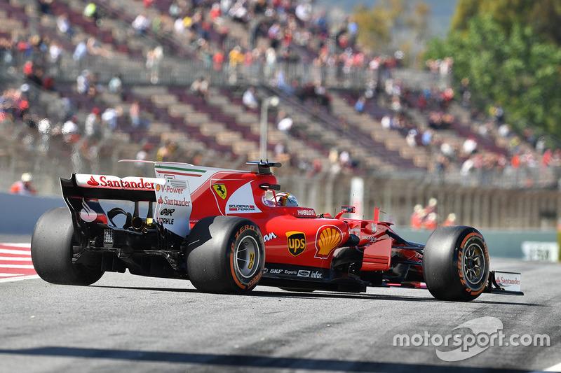 Sebastian Vettel, Ferrari SF70H stops at the end of pit lane