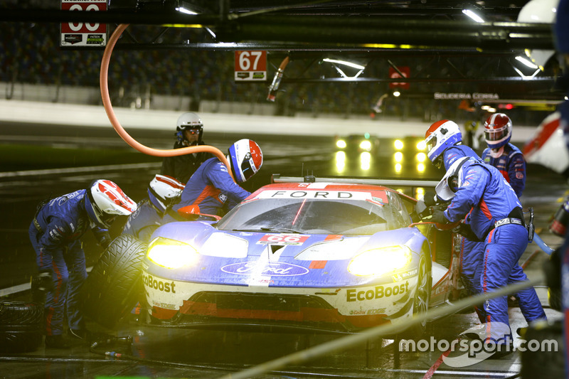 Pitstop, #66 Ford Performance Chip Ganassi Racing Ford GT: Joey Hand, Dirk Müller, Sébastien Bourdais