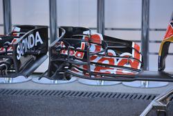 Toro Rosso STR 11: ala anteriore