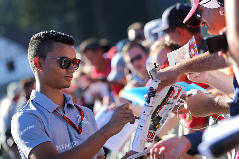Pascal Wehrlein, Manor Racing signs autographs for the fans