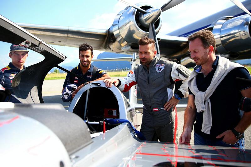 Pilot Hannes Arch ve Max Verstappen, Daniel Ricciardo, Red Bull Racing, Christian Horner