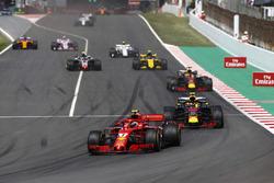 Kimi Raikkonen, Ferrari SF71H, Max Verstappen, Red Bull Racing RB14, Daniel Ricciardo, Red Bull Racing RB14, Carlos Sainz Jr., Renault Sport F1 Team R.S. 18