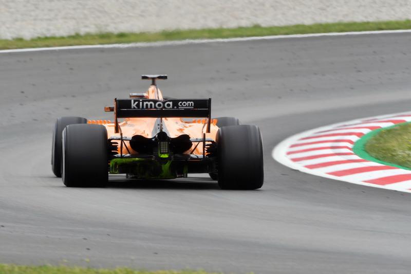 Stoffel Vandoorne, McLaren MCL33 with aero paint on rear diffuser