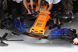 Vue détaillée du nez et de l'aileron avant de la McLaren MCL33 nose and front wing detail