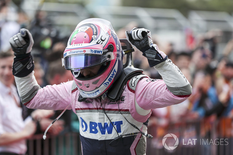 Third place Sergio Perez, Force India celebra en parc ferme