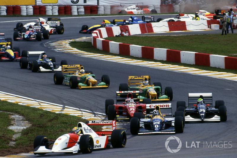 Ayrton Senna, McLaren MP4/8, en tête
