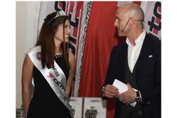Miss Yokohama 2017-2018, Mariangela Logozzo, auf der Bühne der ASS-Zeremonie in Bern