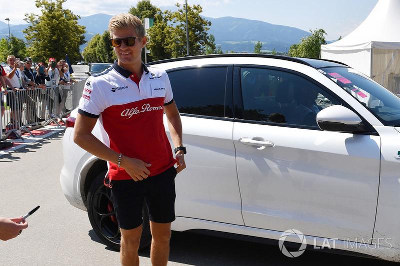 Marcus Ericsson, Sauber arrive dans un Alfa Romeo Stelvio