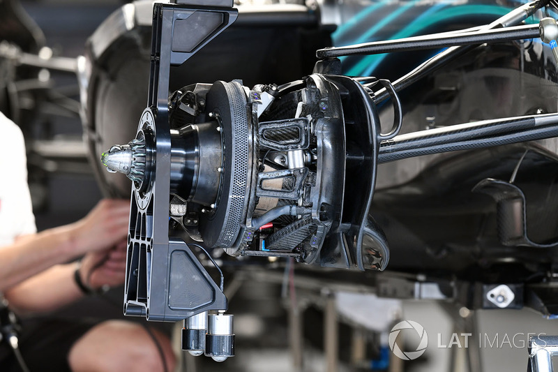 Mercedes-AMG F1 W09 EQ Power+ front brake and wheel hub detail