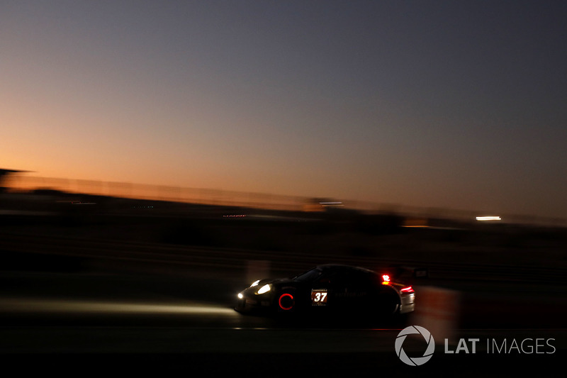#37 Tsunami R.T. Porsche 991 Cup MR II: Андрій Круглик, Ком Ледогар, Олександр Гайдай, Алессіо Ровера