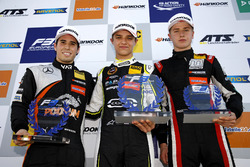 Rookie Podium: Winner Lando Norris, Carlin Dallara F317 - Volkswagen, second place Joey Mawson, Van Amersfoort Racing, Dallara F317 - Mercedes-Benz, third place Juri Vips, Motopark Dallara F317 - Volkswagen